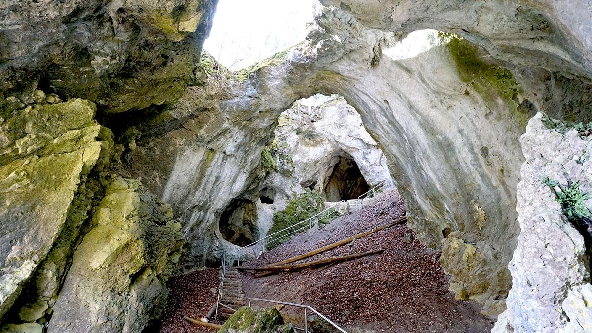 Riesenburg Versturzhöhle